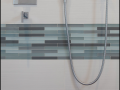 accent-border-tile-in-bathroom-2