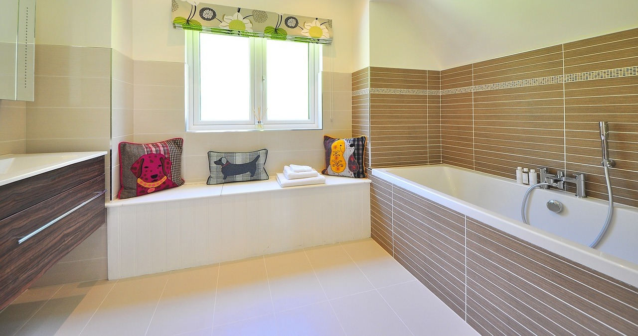 Bathroom Renovations - How Much Do They Cost: Bathtubs - Graham\'s ...