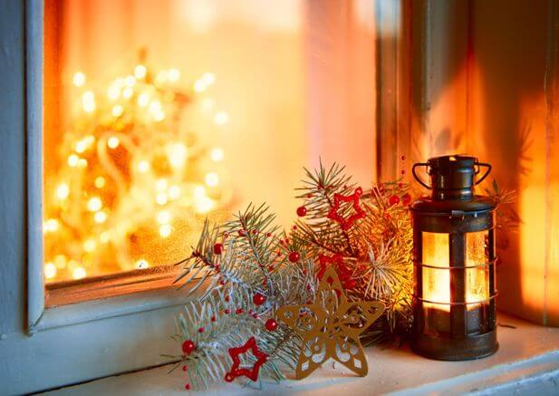 8 great christmas window decorating ideas graham 39 s and son - Elle decor natale ...